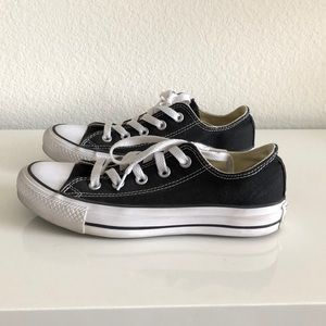 Converse All-Star Low Top Sneakers Sz 5.5